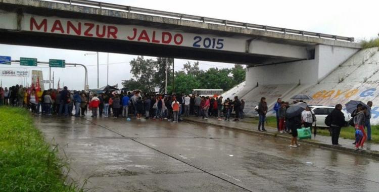 Transportistas citrícolas cortan parcialmente rutas y puentes | El Diario 24