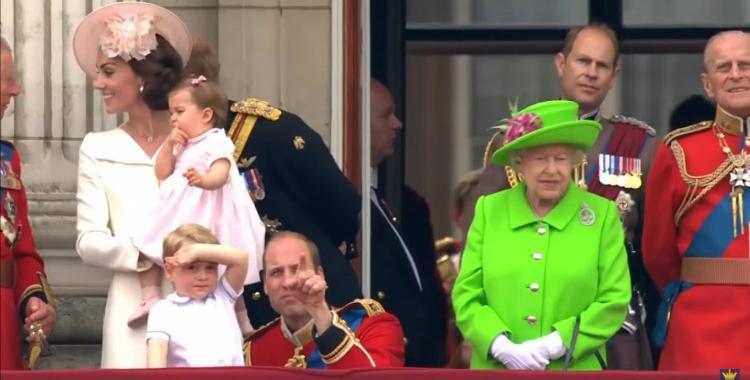 La Reina de Inglaterra retó al Príncipe Williams y se viralizó el momento | El Diario 24