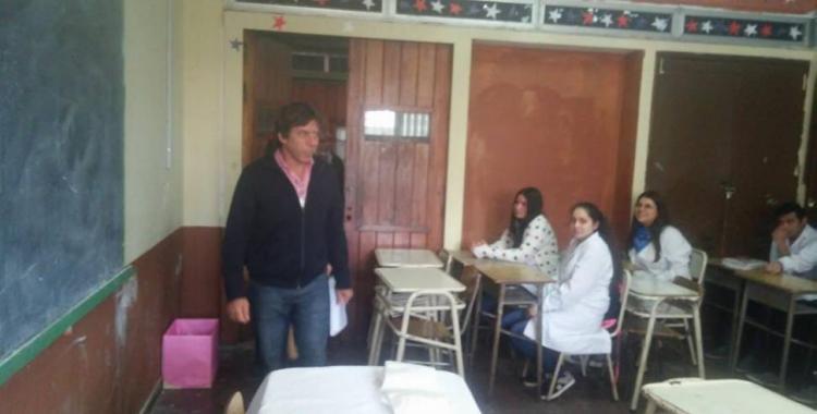 Familiares de desaparecidos responsabilizan a los docentes y autoridades de la escuela por la charla de Bussi   El Diario 24