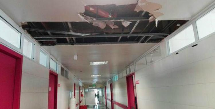 Desde hace semanas, hay un agujero en el techo del Centro de Salud   El Diario 24