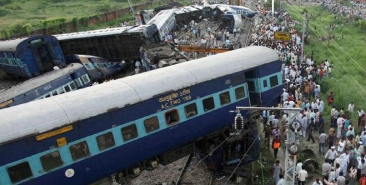 Tragedia en India: descarriló un tren y hay al menos 96 muertos | El Diario 24