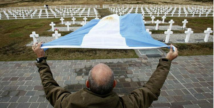 Argentina e Inglaterra firmarán un acuerdo para identificar a los soldados caídos en Malvinas   El Diario 24