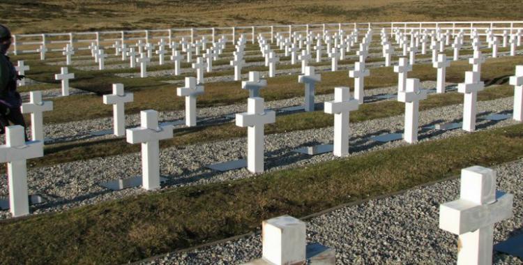 La Cruz Roja se propone identificar a los soldados caídos en Malvinas | El Diario 24