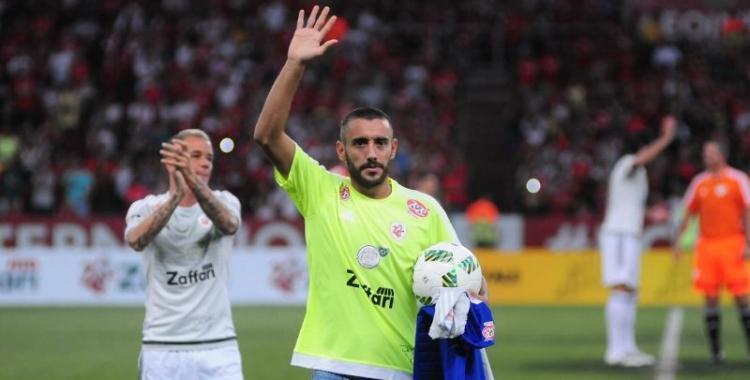 El sobreviviente a la tragedia del Chapecoense, Alan Ruschel, volvió a la cancha de fútbol   El Diario 24