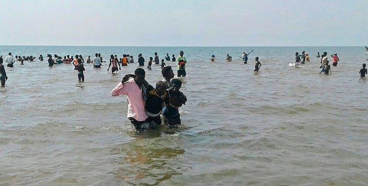 Se hunde barco con equipo de fútbol de Uganda y hay al menos nueve muertos   El Diario 24