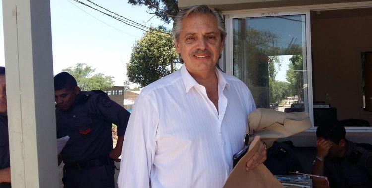 Alberto Fernández visitó a Milagro Sala para saludarla por Año Nuevo   El Diario 24