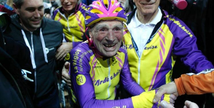 Conocé al ciclista Robert Marchand que a los 105 años de edad todavía rompe records | El Diario 24