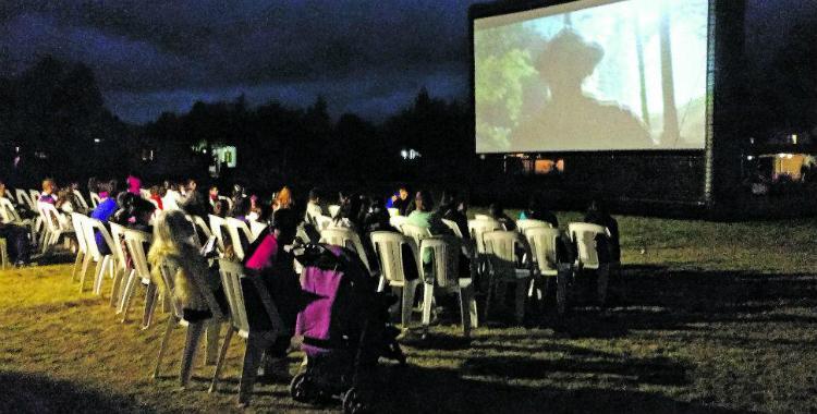 San Pedro de Colalao invita a conocer el autocine libre y gratuito | El Diario 24