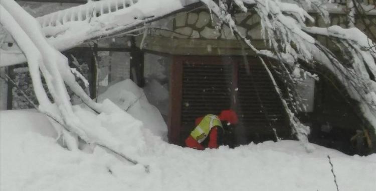 Rescatan a ocho sobrevivientes en el hotel italiano tapado por la nieve | El Diario 24