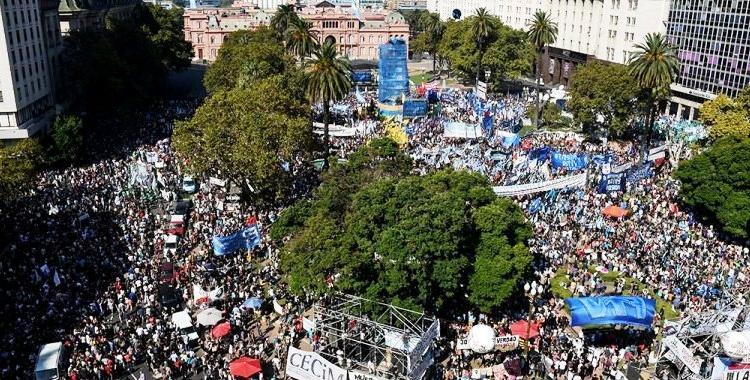 Una multitud conmemoró el Día de la Memoria en Plaza de Mayo | El Diario 24