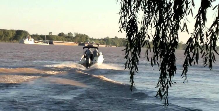Un hombre murió y otro está desaparecido al accidentarse su lancha en el río Paraná   El Diario 24