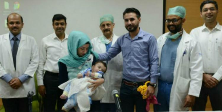 Un bebé con cuatro brazos y cuatro piernas pasó por una exitosa cirugía | El Diario 24