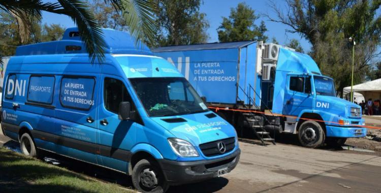 Una unidad móvil del Registro Civil entrega DNI a los damnificados en Graneros   El Diario 24