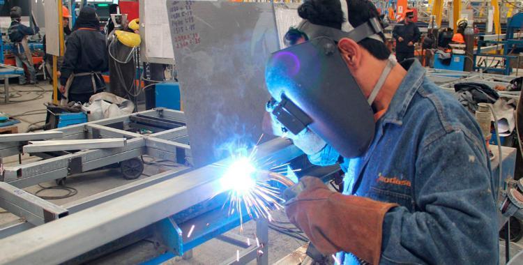 La actividad económica cayó un 2,2% en febrero | El Diario 24
