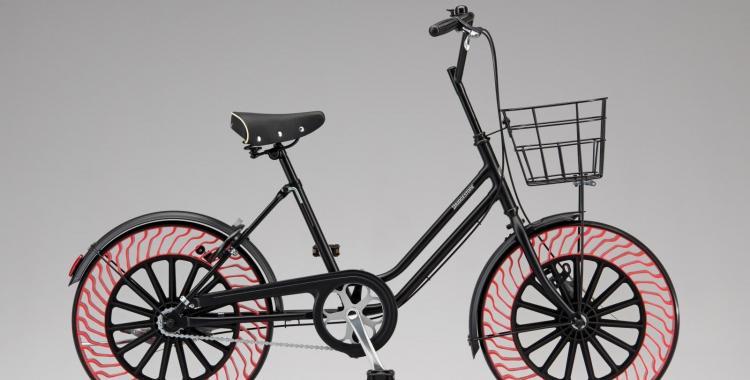 Bridgstone diseñó una bici con unas ruedas muy particulares que no necesitan aire | El Diario 24
