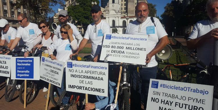 Pymes realizan una bicicleteada financiera ante la crisis que atraviesan   El Diario 24