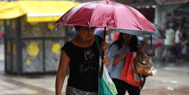 Advierten que rige una alerta meteorológica por lluvias y tormentas en la provincia | El Diario 24