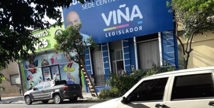 Denuncian la poda de árboles que tapaban la publicidad del legislador Claudio Viña | El Diario 24