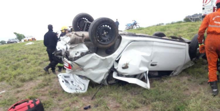 Un vehículo volcó a la altura de El Bollero en Trancas: una joven murió   El Diario 24