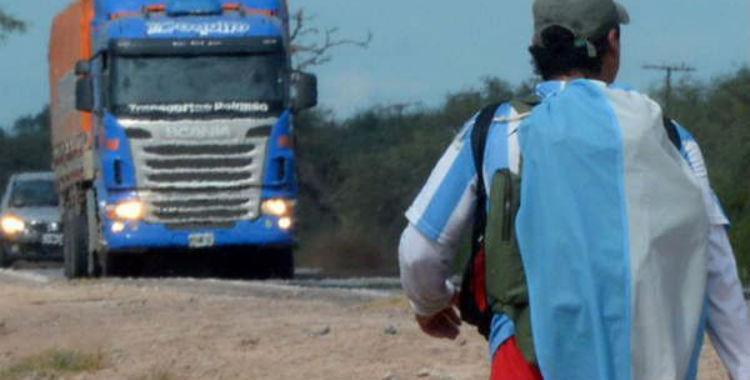 PIden a los conductores tomar precauciones por los peregrinos que caminan a Catamarca   El Diario 24