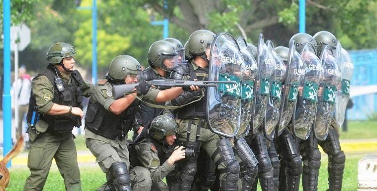 Gendarmería reprimió a estudiantes en la Universidad de Río Negro | El Diario 24