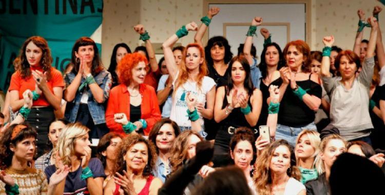 Después de la denuncia de Thelma Fardin, explotaron las líneas para denunciar violencia de género   El Diario 24
