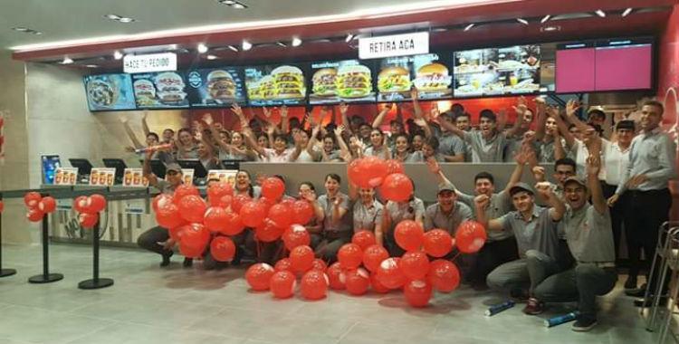Un nuevo restaurante de comidas rápidas promete hacer tu hamburguesa en menos de 4 minutos   El Diario 24