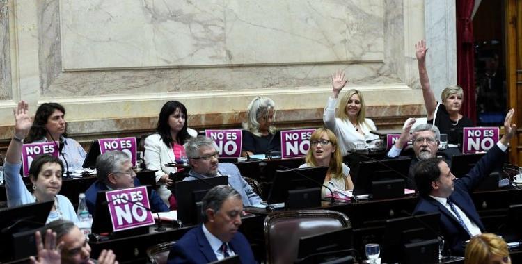 El Senado aprobó la Ley Micaela para que los funcionarios públicos reciban instrucción con perspectiva de género   El Diario 24