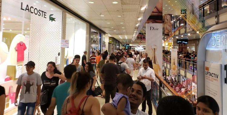 El consumo minorista cayó 9% y fue la peor Navidad en una década | El Diario 24