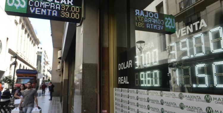 Sobre la hora, el Gobierno logró que el dólar cierre el año debajo de $40 | El Diario 24