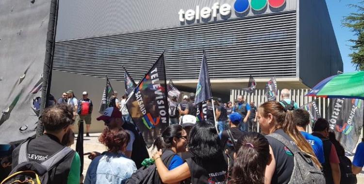 Dictan la conciliación obligatoria para suspender los despidos y el paro en Telefe   El Diario 24