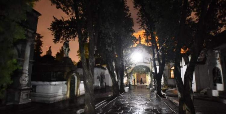 Robaron dos puertas del cementerio Oeste   El Diario 24