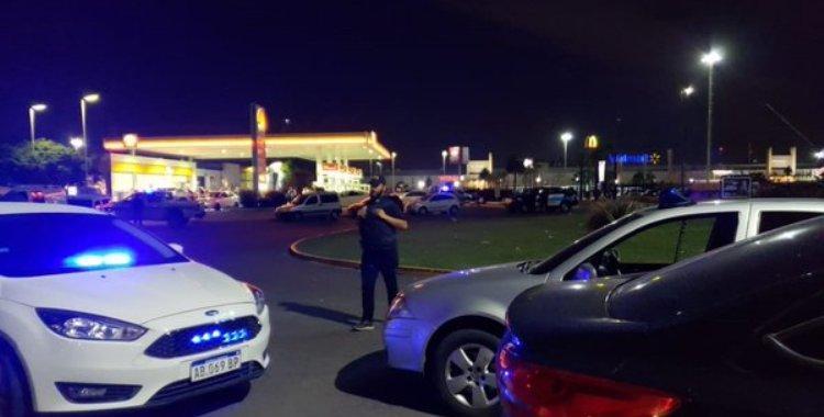 Un comisario bonaerense acusado de extorsión murió en un tiroteo: Hay dos agentes heridos | El Diario 24