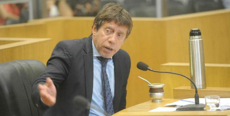 Aunque Bussi dice que tiene 12 empleados políticos, en realidad son 77   El Diario 24