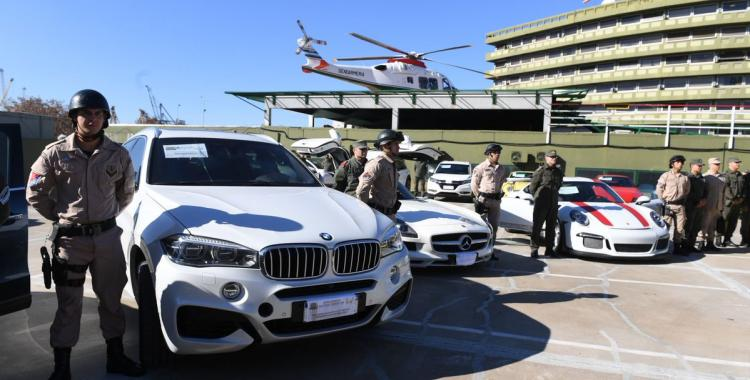 Secuestraron 38 autos clásicos y de alta gama en Puerto Madero: Mirá las fotos   El Diario 24