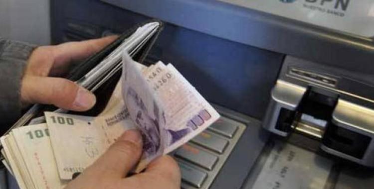 Comienzan a pagar el aguinaldo a los estatales tucumanos   El Diario 24