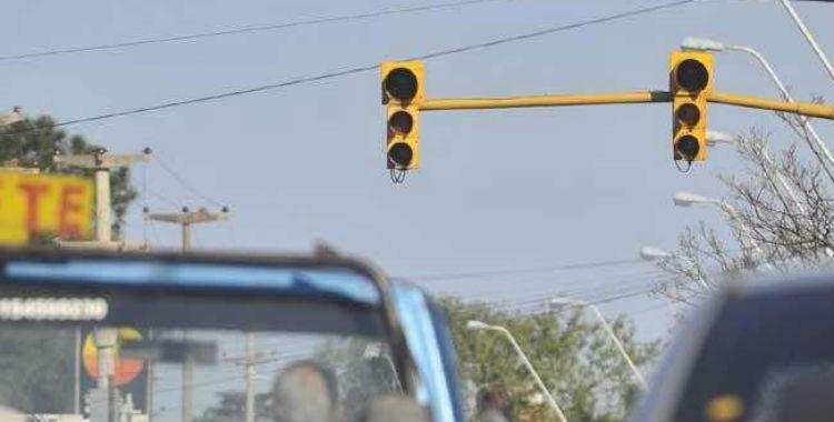 Quedaron 25 semáforos sin funcionar luego del apagón del domingo   El Diario 24