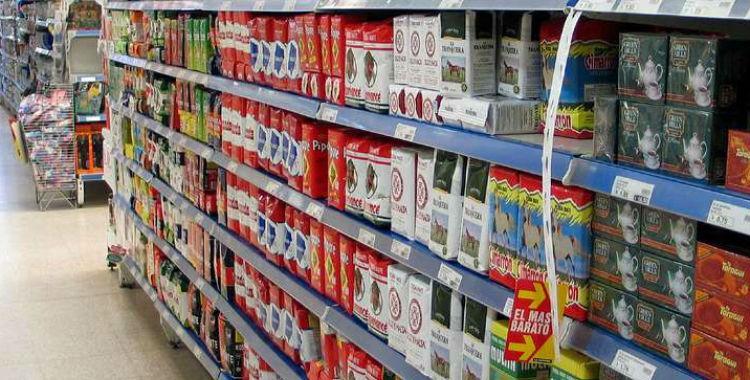 Las ventas en supermercados y shoppings cayeron por décimo mes consecutivo | El Diario 24