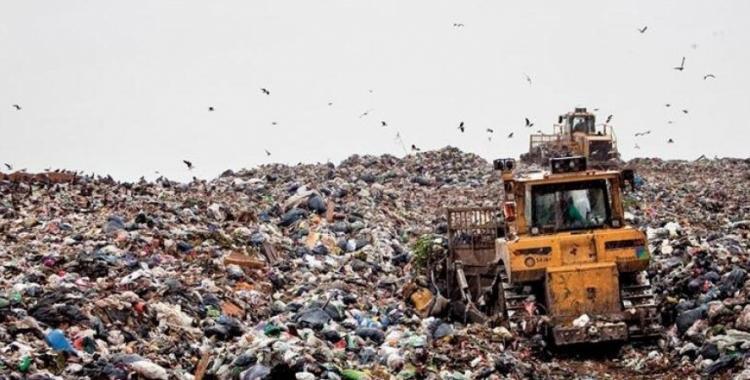 Macri habilita por decreto la posibilidad de importar basura del mundo | El Diario 24