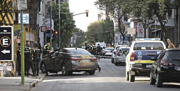 Perdió el control de su Toyota Hilux y arrastró a una mujer y su hijo | El Diario 24