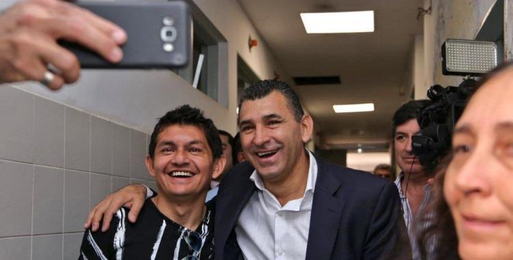 Durante una recorrida en Simoca, el Pulga Rodríguez volvió a mostrarse junto al peronismo local   El Diario 24