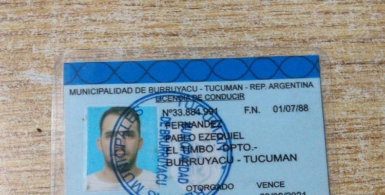 Mostró un carnet de manejo falso pero la policía lo reconoció y lo detuvo | El Diario 24