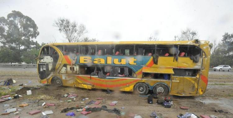 El vuelco del micro de Balut dejó un saldo final de tres muertos y más de 30 heridos | El Diario 24