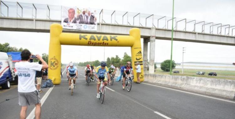 Más de 200 ciclistas formaron parte de la Vuelta al Limón   El Diario 24