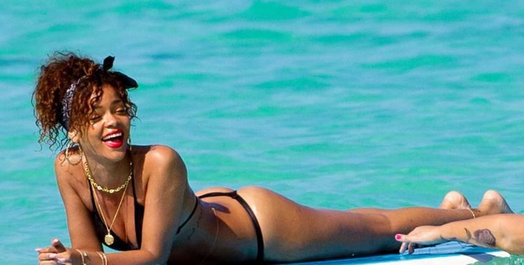 La sensual caminata en bikini de Rihanna que explotó en Instagram | El Diario 24