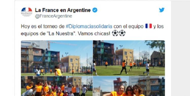 La embajadora francesa jugó un torneo de fútbol en la Villa 31 | El Diario 24