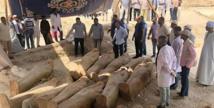 Hallan en Egipto 20 sarcófagos intactos de más de 2500 años de antigüedad   El Diario 24