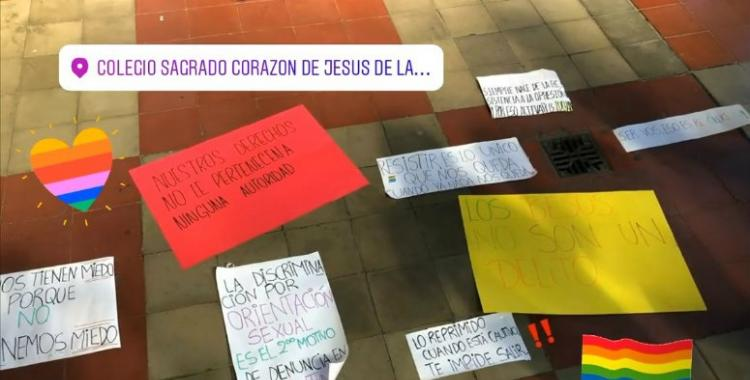 Masiva protesta de las estudiantes del Colegio de las Hermanas Esclavas   El Diario 24