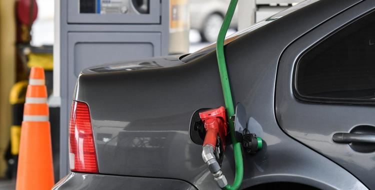 YPF vuelve a subir el precio de las naftas y en Tucumán la súper costará más de 60 pesos | El Diario 24