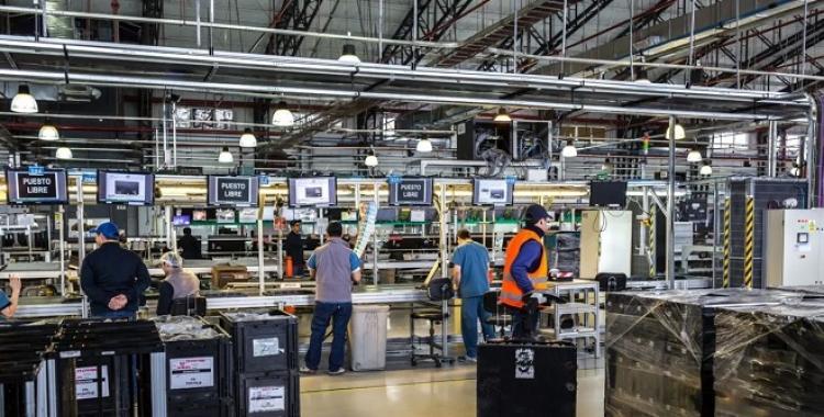 La industria informática quiere reindustrializar la actividad frente a la competencia extranjera | El Diario 24